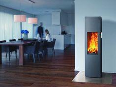 Moderne Heizkombination: Wärmepumpe und Kaminofen