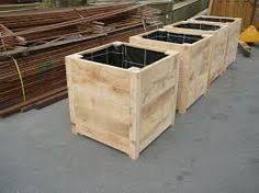 Afbeeldingsresultaat voor bloembakken hout buiten groot Wood Planters, Planter Boxes, Pallet Furniture, Outdoor Furniture, Outdoor Decor, Concrete Deck, Garage Walls, Room Doors, Backyard Projects