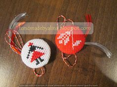 Risultati immagini per martisoare cusute pe etamina motive nationale Simple Cross Stitch, Folk Embroidery, Mosaic Art, Cross Stitching, Diy And Crafts, Crochet Earrings, Projects To Try, Textiles, Christmas Ornaments