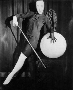 Oskar Schlemmer - Triadisches Ballett