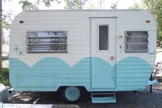 scallops just make these vintage trailers sooo stinkin' cute!