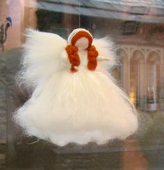 Waldorf Snow White beschermengel opknoping pixie. Doop cadeau Angel wol Angel naald vilten fairy Elf Kendal Angels en feeën UK wol