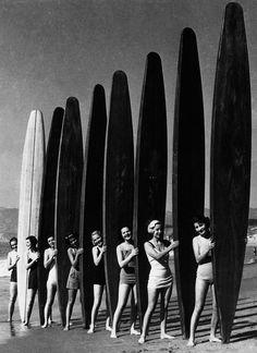 «Серфингистки»