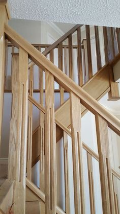 stop chamfered oak spindles & newels offer a timeless look for your staircase which never seems to date. Wooden Staircase Design, Deck Railing Design, Timber Staircase, Wooden Staircases, Metal Barn Homes, Metal Building Homes, Pole Barn Homes, Stair Banister, Stairs