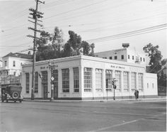 los angeles Bank of America branch at Echo Park and Sunset as it appeared in 1942 . California History, Vintage California, Southern California, Silver Lake Los Angeles, Los Angeles Hollywood, Hollywood Homes, Valley Girls, Bank Of America, Echo Park
