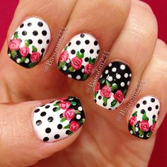 Vintage roses on black and white polka dots nails #nailart #flowers #roses