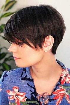 Today we have the most stylish 86 Cute Short Pixie Haircuts. We claim that you have never seen such elegant and eye-catching short hairstyles before. Pixie haircut, of course, offers a lot of options for the hair of the ladies'… Continue Reading → Short Hair Images, Short Hair Cuts For Women, Short Hairstyles For Women, Everyday Hairstyles, Short Messy Haircuts, Short Haircut Styles, Trendy Haircuts, Fashionable Haircuts, Hair Styles 2016