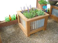 New garden boxes raised beds corrugated metal 30 Ideas Metal Planter Boxes, Garden Planter Boxes, Wood Planters, Raised Patio, Raised Garden Beds, Raised Beds, Raised Gardens, Corrugated Tin, Metal Siding