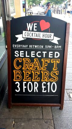 Elk Bar, Fulham #freehand #signwriting #signage #poscapen  #chalkboard #chalkboardart #blackboard #blackboardart #typography #graphics #design #graphicart #handrendered #lettering #artist #art #creative @mrartiste #craftbeer