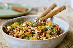 Volkoren rijstsalade met noten & citrus dressing
