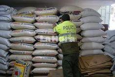 """IPIALES, DEPARTAMENTO DE NARIÑO, COLOMBIA """"Decomiso de arroz en Ipiales"""". 11 May 2013. (IPITIMES.COM ® /New York. FUENTE: LA HORA)."""