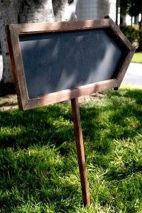 arrow chalkboard sign (make)