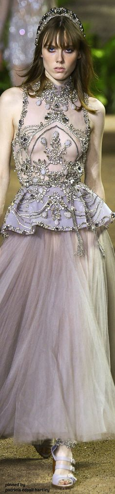 Elie Saab Couture Spring 2016 работа девушка рубежавст http://bit.ly/1plDPWd http://bit.ly/1RW0NfA