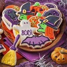 We love Halloween here at Hy-Vee! For the second year, we will be having a mini Kids'€™ Halloween party that includes decorating cookies and pumpkins, coloring, making recipes, and getting candy, of course! Stop by within these 3 hours to get some goodies! Costumes are encouraged!