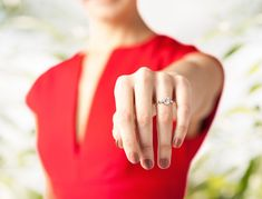 Be it a separation over an unfaithful spouse, mutual disinterest, or simply for economic reasons, one question remains pertinent – who gets the engagement ring after divorce? After Divorce, Enrique Iglesias, Jackie Kennedy, Paris Hilton, Elizabeth Taylor, Mariah Carey, Grace Kelly, Kanye West, Jennifer Lopez