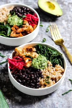 10 Most Misleading Foods That We Imagined Were Being Nutritious! Serve Up Dinner In Less Than 30 Minutes With This Black Bean Buddha Bowl Recipe With Creamy Avocado Pesto It's Vegan, Gluten-Free, And Full Of Nutrients. Vegetarian Recipes, Healthy Recipes, High Protein Vegan Recipes, Veg Recipes, Protein Foods, Whey Protein, Copycat Recipes, Healthy Meals, Avocado Pesto