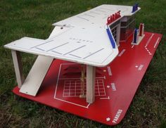 Toy Garage, Parking, Old Toys, Garages, Wooden Diy, Picnic Table, Vintage Toys, Diy For Kids, Hot Wheels