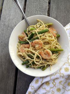 Creamy shrimp and asparagus pasta