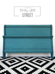 layering aubusson blue and provence chalk paint, patina with chalk paint, painted furniture, painting wood furniture Chalk Paint Bed, Best Chalk Paint, Chalk Paint Colors, Chalk Paint Furniture, Chalk Painting, Milk Paint, Painting Tips, Turquoise Painted Furniture, Turquoise Painting