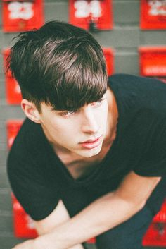 Teenage Haircuts For Guys + Boys To Get - Latest Hairstyles For Teenage Guys Hairstyles For Teenage Guys, Boy Hairstyles, Latest Hairstyles, Haircuts For Men, Hair And Beard Styles, Short Hair Styles, Bowl Haircuts, Hair Reference, Male Face