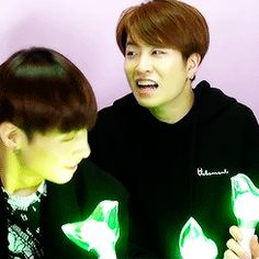 Got7 Official Light sticks! Featuring JB and excited Youngjae