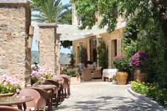 Looking for your last summer escape? Soak up authentic Mediterranean charm at Mallorca's La Residencia.