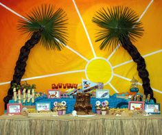 Vintage Beach Party: Amy Atlas Feature  http://mimisdollhouse.com/vintage-beach-party-amy-atlas/