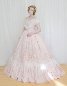 Posts about century written by Angela Clayton and AngelaCostumery 1800s Dresses, Evening Dresses, Afternoon Dresses, Flapper Dresses, Vintage Outfits, Vintage Dresses, Victorian Dresses, Victorian Evening Gown, Vintage Evening Gowns