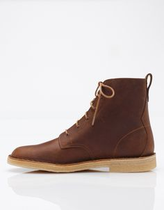 Need Supply Co. / Clarks / Desert Mali In Beeswax
