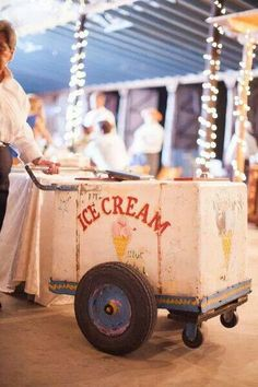 I would like someone to be serving gelato when guests arrive and love this old fashioned cart.. is it possible to hire an Italian equivalent?