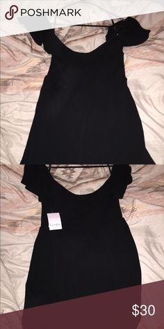 Off the shoulder smock dress Black off the shoulder smock dress, super cute just too big for me! Dresses