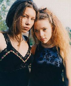 BEFORE (An undated scan from a teen fashion magazine - Scarlett Johansson & Jessica Biel modelling together when they were teenagers.)