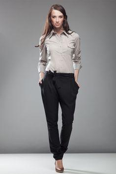 Pantalon asymétrique, coupe carotte, noir.
