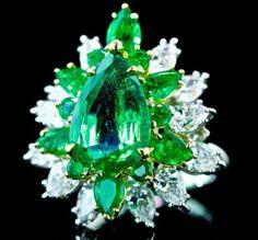 OSCAR HEYMAN GIA CERTIFIED NATURAL 8.90ct EMERALD DIAMOND PLATINUM 18k GOLD RING - http://elegant.designerjewelrygalleria.com/oscar-heyman/oscar-heyman-gia-certified-natural-8-90ct-emerald-diamond-platinum-18k-gold-ring/