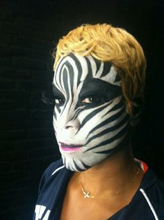 zebra makeup Zebra Makeup, Paper Makeup, Zebra Costume, Looks Instagram, Spring Makeup, Spring Is Here, Makeup Looks, Latest Trends, Make Up