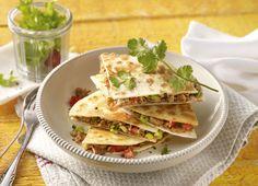 Mit Putenhack gefüllte Tortilla-Pizza #Rezept #Rezepte #Gefluegel #Pute #mexikanisch #Pizza #Tortilla