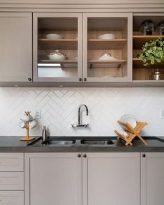 - Lilly is Love Home Decor Kitchen, Kitchen Dining, Decor Interior Design, Interior Decorating, Interior Exterior, Inspired Homes, Sweet Home, Decoration, Ikea