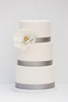 44 Spectacular Wedding Cake Ideas - MODwedding
