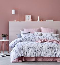 31 Beautiful Rose Gold Bedroom Design To Inspire You - Dlingoo Marble Bedroom, Marble Bedding, Marble Bed Sheets, Copper Bedroom, Marble Room Decor, Marble Duvet Cover, Rose Gold Rooms, Rose Gold Bed, Rose Gold Room Decor