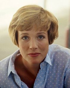Julie Andrews, beautiful color photo of her