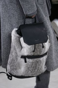 Michael Kors Collection Fall 2016 Ready-to-Wear Accessories Photos - Vogue - backpack style bags are so in! fur and leather backpack, fall 2016 Boutique Michael Kors, Sac Michael Kors, Michael Kors Outlet, Handbags Michael Kors, Michael Kors Backpack, Cheap Handbags, Vogue, Sacs Design, Best Designer Bags