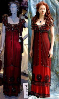 """Titanic """"jump dress"""" <3 http://25.media.tumblr.com/tumblr_m704h9PpGp1rb1rdlo1_500.jpg"""