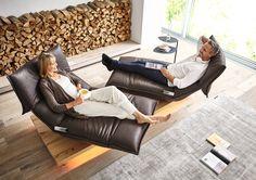 Am 27. April war Welttag des Designs. Elegante und innovative Designs findet ihr in unserer Möbel-Ausstellung! Wie wäre es zum Beispiel mit diesem stylischen Sofa von Koinor?