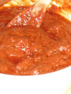 This creates a slightly sweet, intense tomato sauce typical of New York-style slices. Its also good served with pasta.