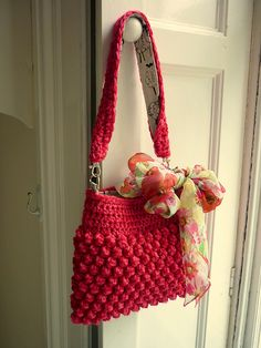 Raspberry Bag  by Colour in a Simple Life    Pic © babyyka    This pattern is available as a free Ravelry download