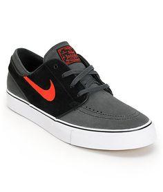 Low profile canvas Nike SB Zoom Stefan Janoski pro model skate shoes  featuring a durable Black 297a2ac963c5b