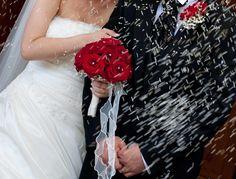 Hier findet ihr eine große Aufzählung der bekanntesten Hochzeitsbräuche. Mit Erläuterungen | Tipps | Beispielen | Ideen | Zeremonien & Hochzeitstraditionen