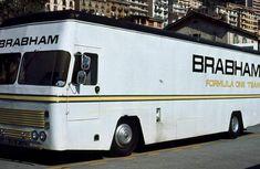 http://images.forum-auto.com/mesimages/237465/BrabhamTransporterimFahrerlagervonMonaco1972.jpg
