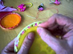Here's a remake of the video promised yesterday . It shows how to make yo-yo's (Suffolk Puffs) using the (Clover brand) Quick Yo Yo Maker. Sewing Hacks, Sewing Crafts, Sewing Projects, Fabric Ribbon, Fabric Flowers, Yo Yo Quilt, Good Tutorials, Quilting Tutorials, Sewing Tutorials