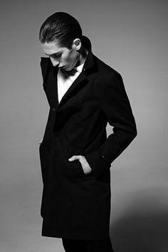 Polish label BYTOM proves that elegance knows no age with a stunning fall/winter 2013 campaign featuring models Aiden Shaw (Select) and Anatol Modzelewski Aiden Shaw, Cut Clothes, The Fashionisto, Dapper Gentleman, Modern Man, Minimal Fashion, Fashion Photo, Style Fashion, Stylish Men
